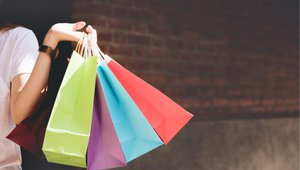 Apparel retailers invest in online experience, customer satisfaction