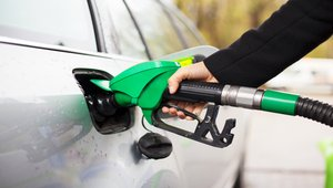 Commodities: Gasoline prices continue to fall