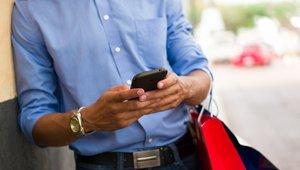 Retailers beware: Mobile drives holiday shopping season