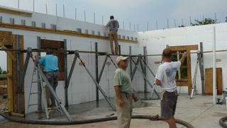 5 things you didn 39 t know about insulated concrete form for Icf homes pros and cons