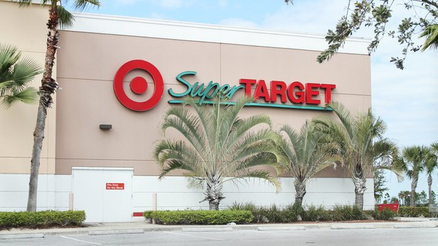 What Target's mobile payments plan says about today's retail trends