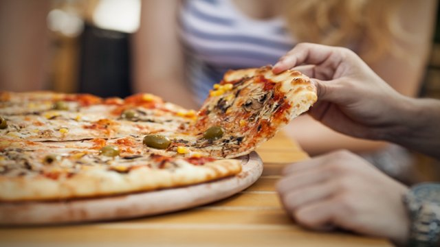 Who's winning the fast casual pizza game?