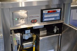 <p>Pearl City Manufacturing, Convection Gas Fryer.</p>