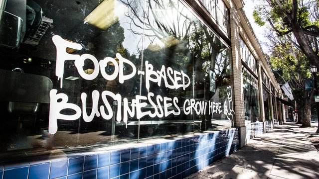 how 6 restaurant brands cut costs by sharing kitchen space fastcasual