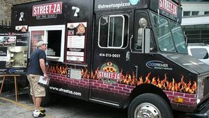 Streetza Pizza, the nation's most buzzed-about pizza truck, was driven down from Wisconsin for the Pizza Executive Summit event -- despite the fact that food trucks are practically illegal in Chicago.