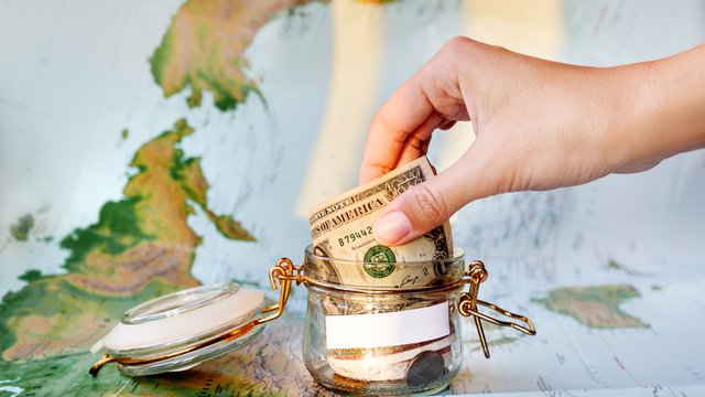 Study: Wanderlust is stealing restaurant dollars