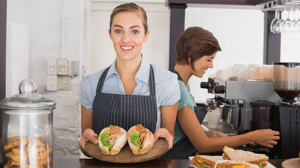 The gray-collar war: 5 ways for restaurants to remain competitive