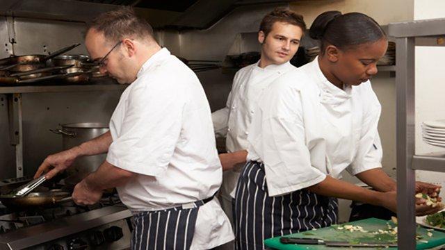 3 Ways Restaurants Can Optimize Labor Efficiencies And Cut Costs