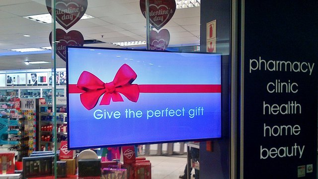 South African retailer delivers digital journey with digital signage