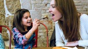 Restaurants seeking to capture Mother's Day traffic