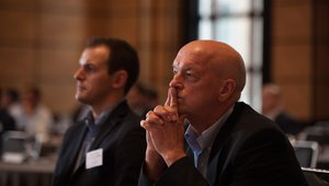 Brian Duckett, of The Franchising Centre, watches a session.