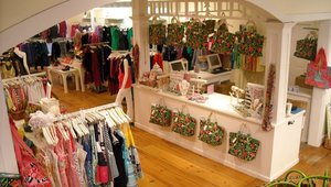 <p>(BEFORE) In The Pink Nantucket cash wrap and stationary POS terminals looking overwhelmed with overcrowded merchandise.</p>