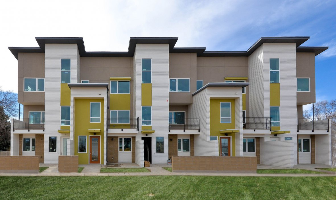Great green home revive sustainable multifamily living for Green living homes