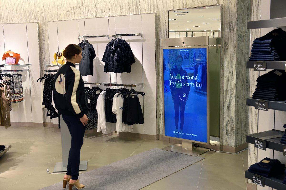 Costco Store Layout >> Neiman Marcus debuts digital mirror | Retail Customer Experience