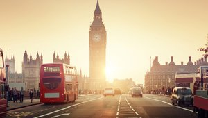 The UK outdoor digital signage market: Where's it heading in 2017?