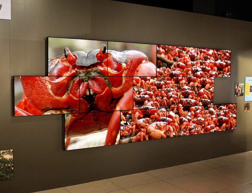 Video Wall Digital Signage Qwick Media Retail Customer