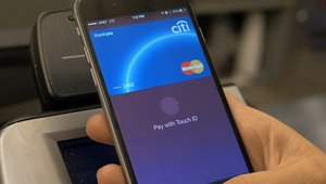 Kohl's first retailer melding Apple Pay, store charge card, loyalty program