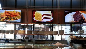 Cheesecake Factory adds flavor with digital signage