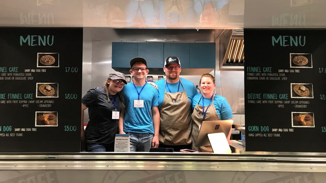 Twin Cities entrepreneur finds fast success with gluten-free food trailer