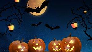 Restaurants scaring up Halloween promotions