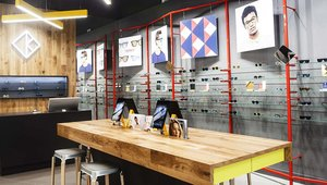 <p>Optician Kite GB's Store wows customers with mirrored point of sale system that encourages online social interaction.</p>