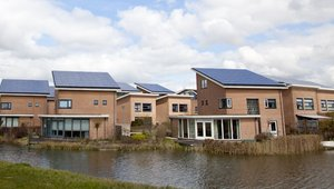 US home solar installation boomed in 2013, more growth to come (video)