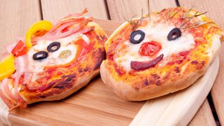 Commodities: Big smiles at Domino's, little grins at Papa John's