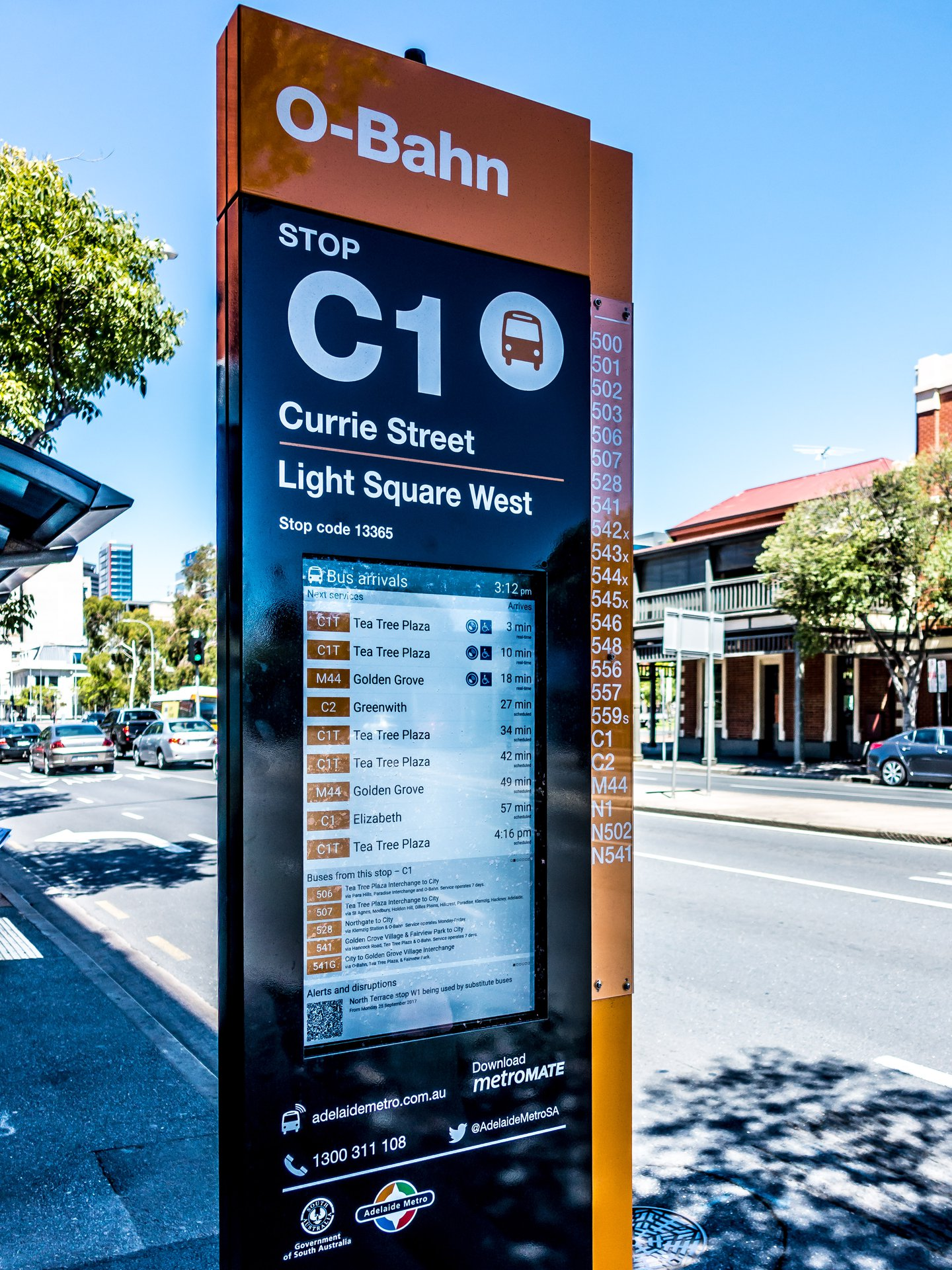 Lcd Digital Bus Stop Totem Metrospec Digital Signage Today