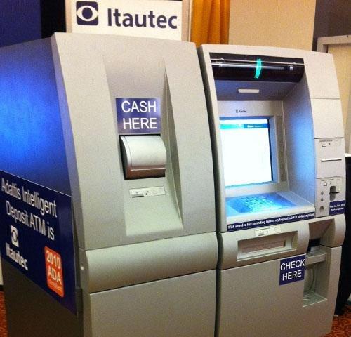Itautec Displays Cash Dispenser And Deposit Taking Atms