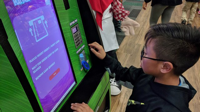 Chuck E. Cheese now entices guests with game payment and meal ordering kiosks