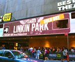 Best Buy using digital signage in Times Square theater for brand engagement