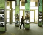 Interactive digital signage goes to the Ducks at UO alumni center (Video)