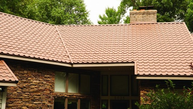 Florida County Proposes Metal Roof Mandate