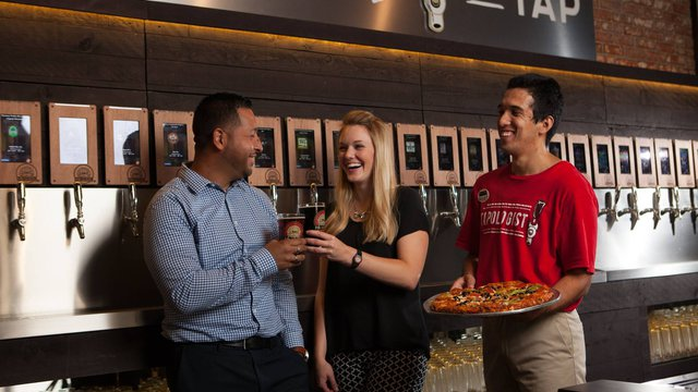 Will self-pour beer tech become the next big thing in fast casual?