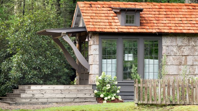 Infographic | 35 Inspiring Tiny Houses And The Families Living There