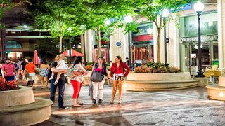 Retailers seek redeveloped public spaces in new shopping environment