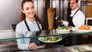 5 labor alerts every restaurant manager should receive