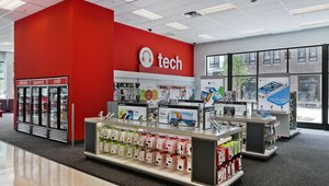 "<p>According to the company, the TargetExpress format features ""an edited assortment of merchandise, including fresh produce, grab-and-go food and snacks, pharmacy, home, seasonal, electronics, beauty and more.""</p>"