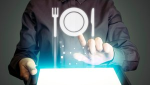 Top take-homes in teaching restaurant tech to work together