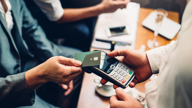The time is now for banks to issue contactless cards