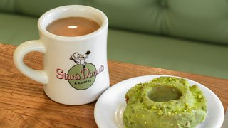 Moving from pizza to pistachio doughnuts: Chicago restaurateur says it's a natural