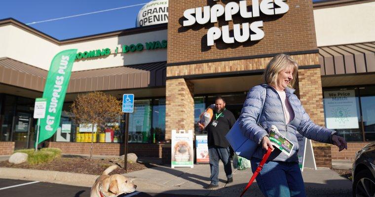 Pet Supplies Plus acquiring Pet Valu stores, rebranding begins