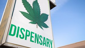 2 reasons why digital signage will revolutionize the cannabis industry
