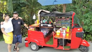 Costa Rican entrepreneur finds a niche with a food tuk-tuk
