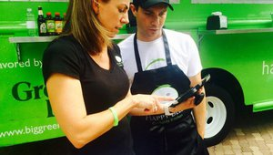 A guide to leveraging technology for food trucks