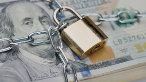 Smart safes: Next-gen retail cash security