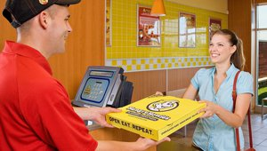 Hungry Howie's opens midwestern Michigan store