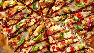 Pizza Inn launches Bourbon Chicken Pizza as fall LTO