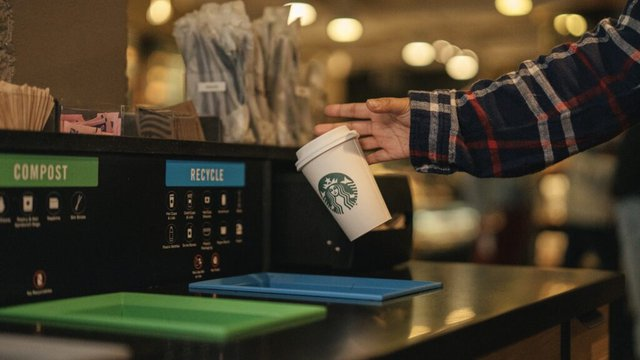 Starbucks testing recyclable, compostable cup