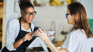 How mobile payments are changing the restaurant industry